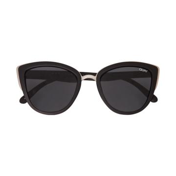 Quay_Sunglasses_01_1549307616.1942_1549307616.4514